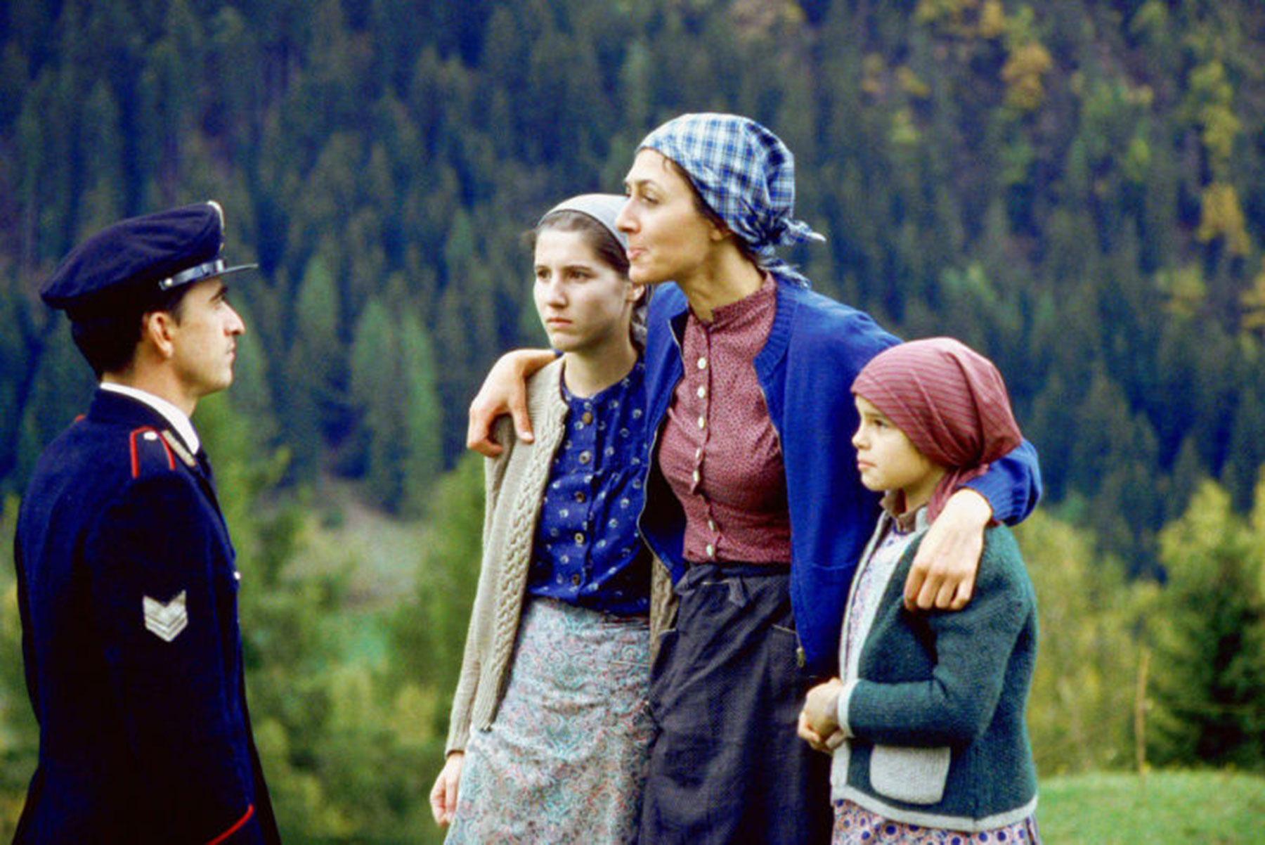 Südtiroler ZeitgeschichteFilm 'Verkaufte Heimat' – Alle 4 Teile online