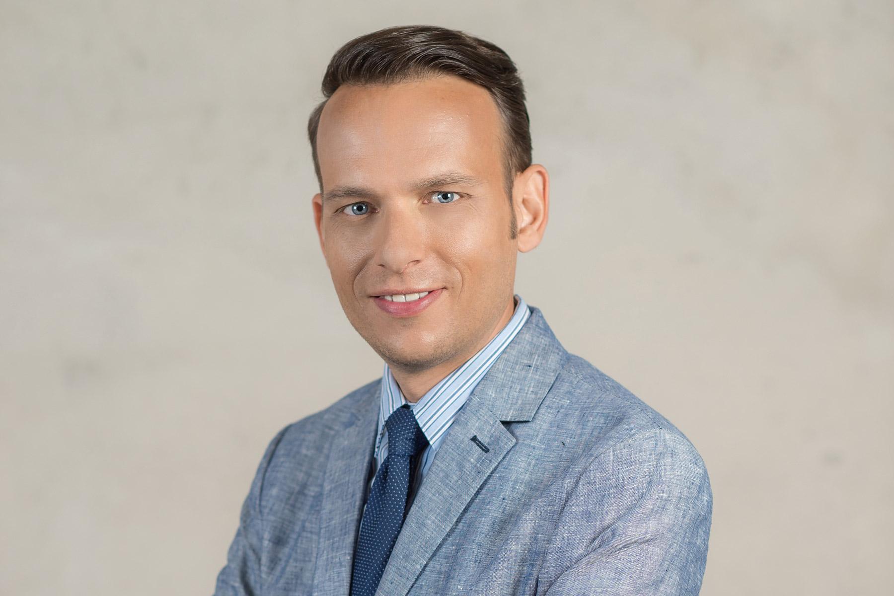 IntegrationZuwanderer in deutsche oder ladinische Volksgruppe integrieren!