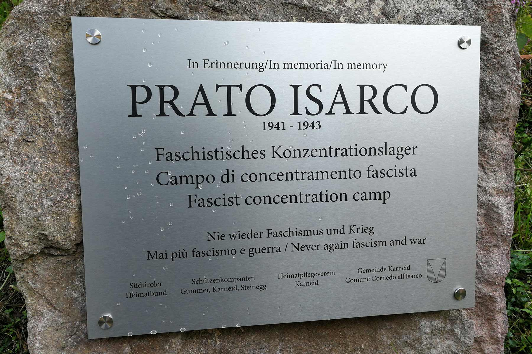 Gedenksteinenthüllung KZ BlumauHans Heiss und Co: Wo wart ihr?