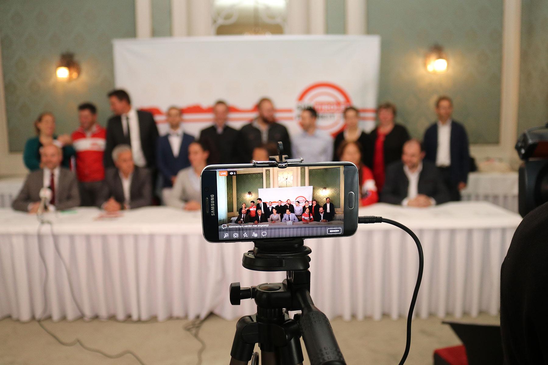 Video und Bilder Der Wahlkampfabschluss der Süd-Tiroler Freiheit
