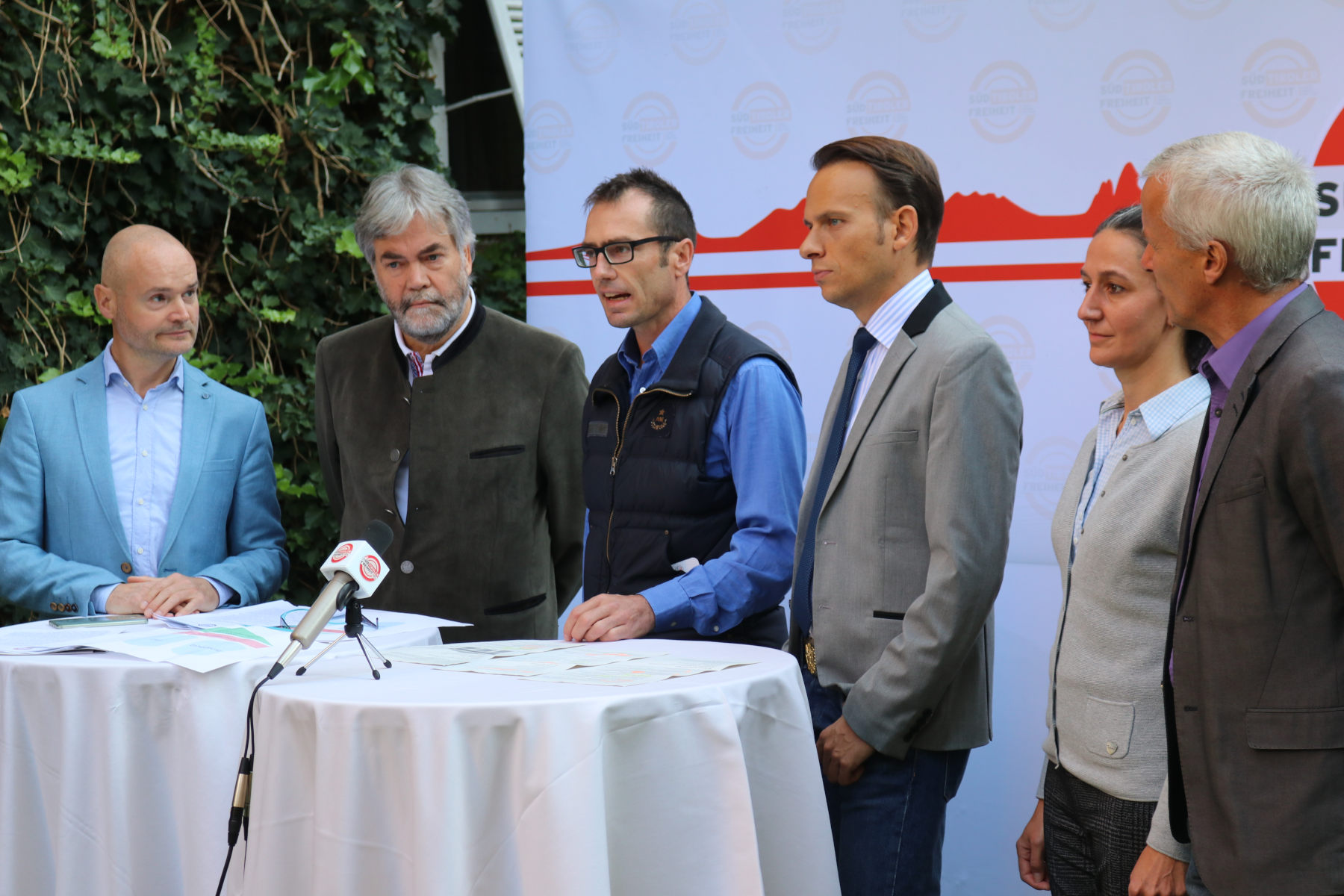 Impulse von zwei Ärzten auf der Liste der Süd-Tiroler Freiheit.Wir kurieren das Gesundheitswesen!