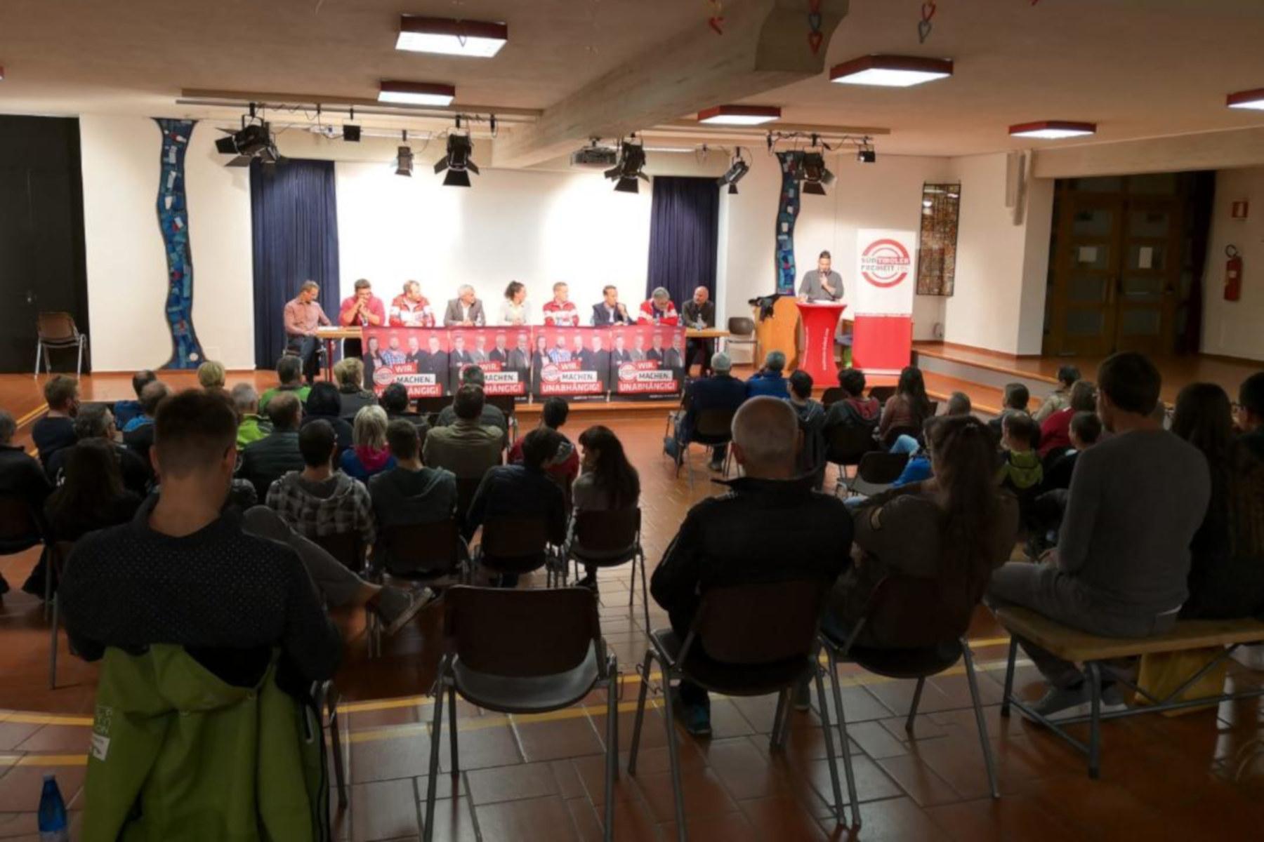 """Süd-Tiroler Freiheit im AhrntalAbschlussveranstaltung der """"Puschtra"""" Kandidaten"""