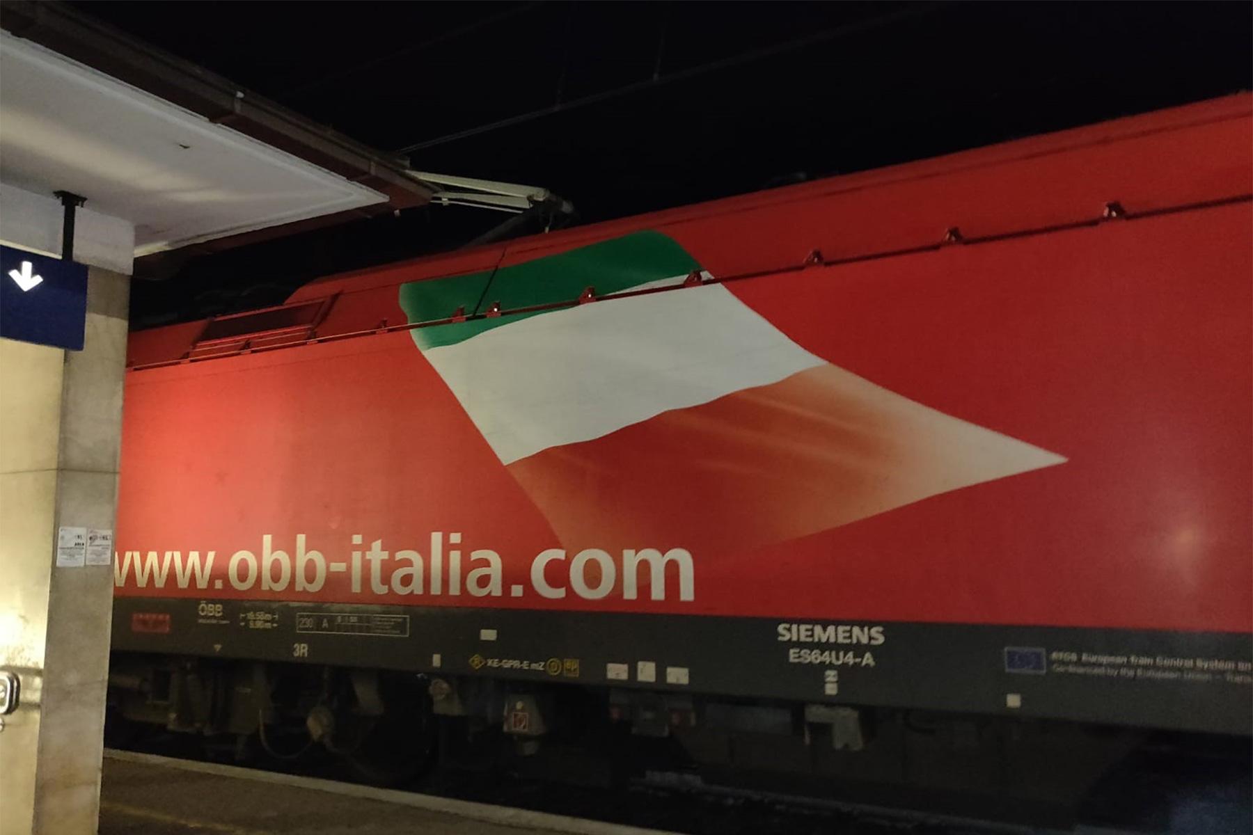 Europaregion Tirol?ÖBB mit italienischer Fahne nach Bozen