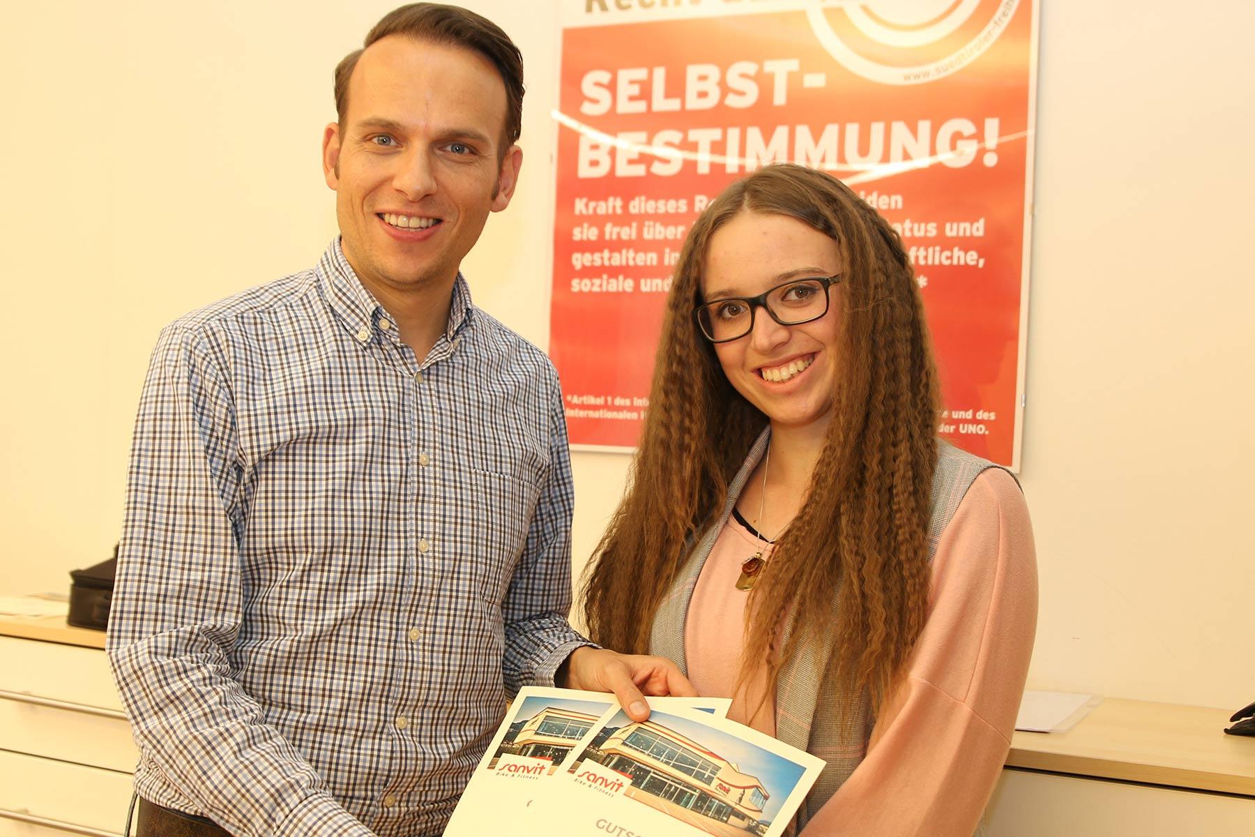 Landtagswahl-GewinnspielGewinner freuen sich über neue E-Bikes
