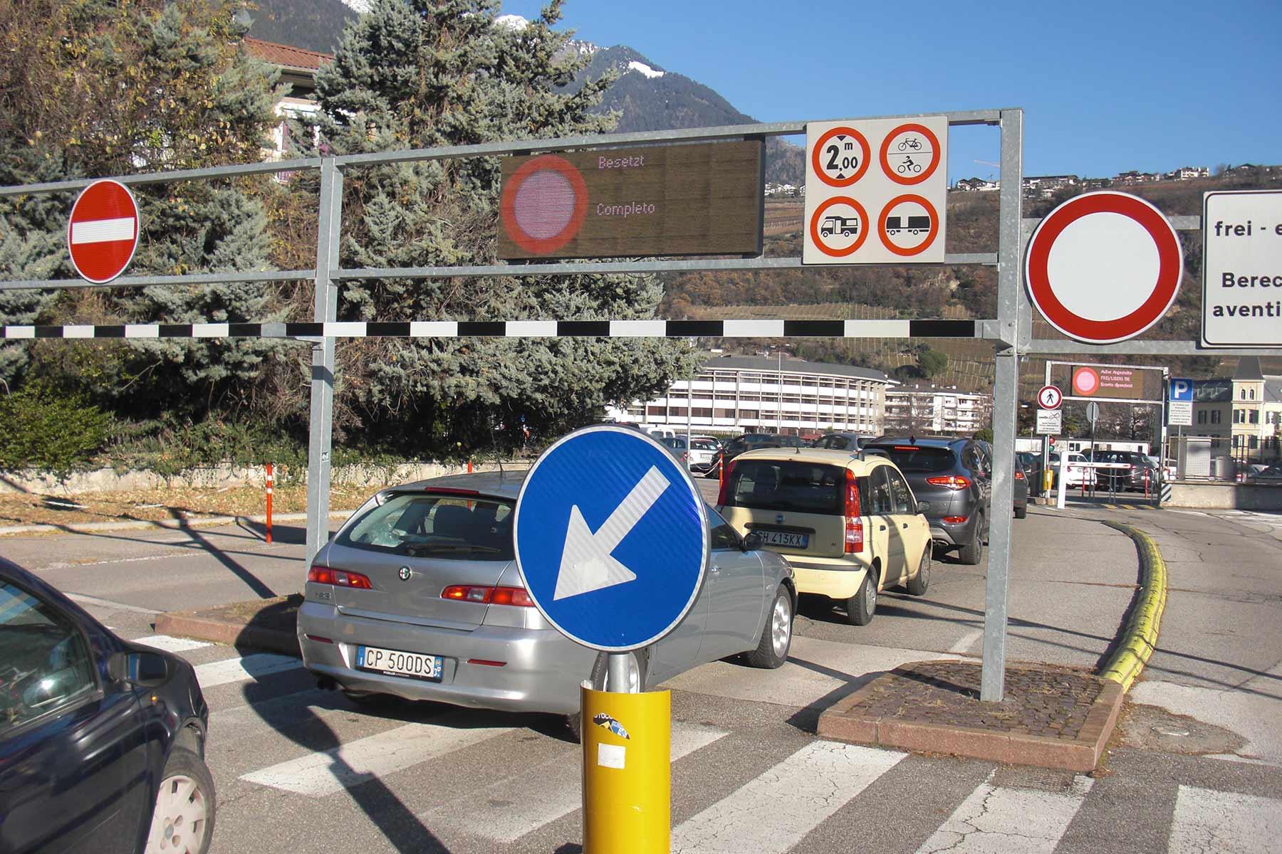 AnfrageKrankenhausparkplatz Meran